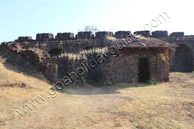 Living quarters within the Corjuem Fort